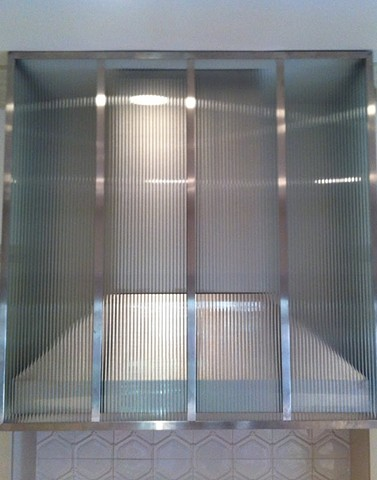 Ribbed Glass and Stainless Steel Rangehood