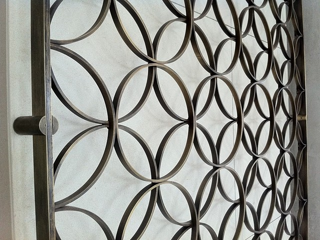 Oil Rubbed Bronze Ring Screen Closeup