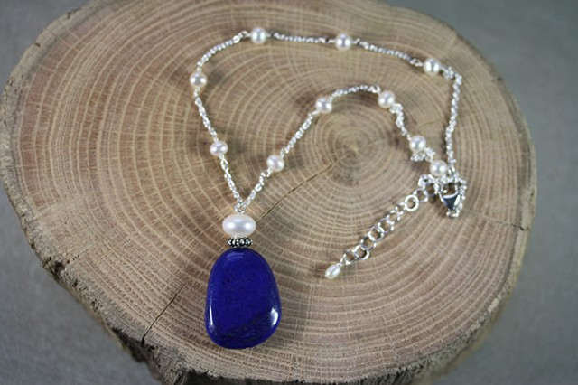Lapis and pearl chain necklace