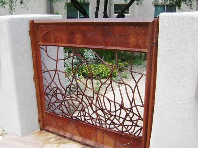 Len's Gate