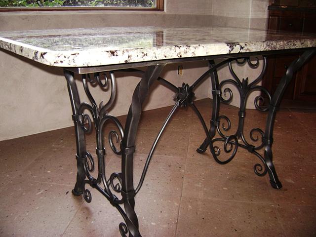 Scrolls Table