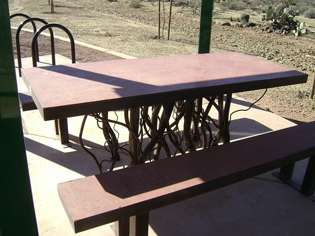 Atturbury Picnic Table