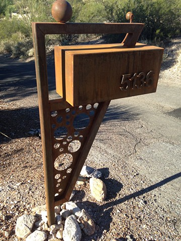 Vicki Mailbox