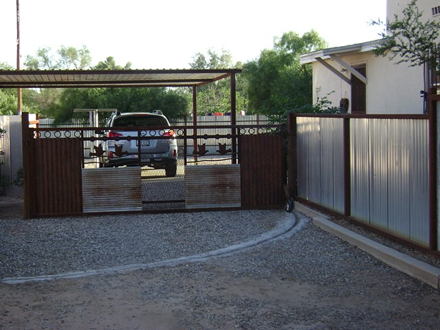 Salvage fence and gate