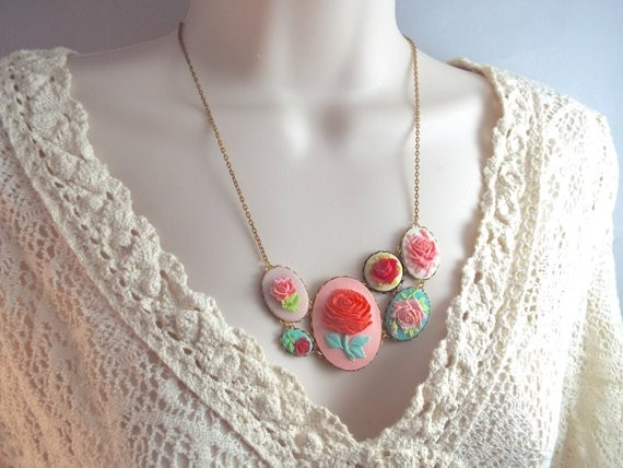 cameo necklace vintage jewelry