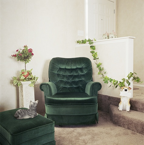 Green recliner, manufactured display home, © Amy Eckert www.amyeckertphoto.com