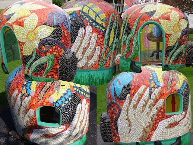 Lady Bug Mosaic Play House