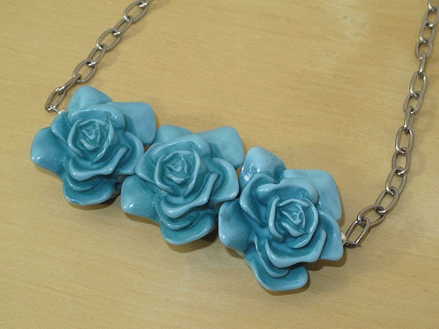 Blue Resin Flowers Necklace on Chain