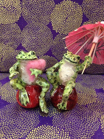 small raku frogs by lisa schumaier
