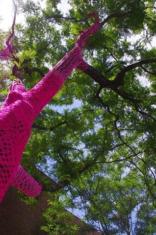 POW! POW! pink tree detail