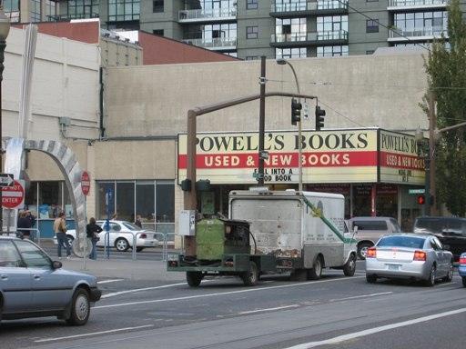 Powells - Bookwyrm Heaven!