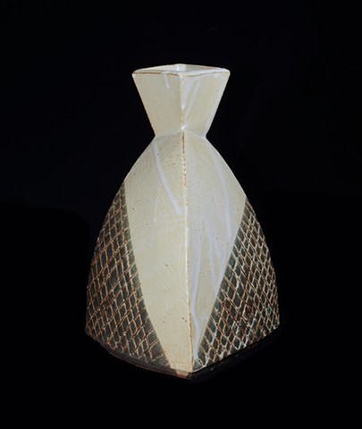 white turtle vase view 2
