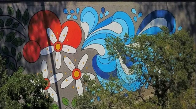 FEATURE: TEMPLE TERRACE RESIDENTS PAINT EYE POPPING DESIGN...