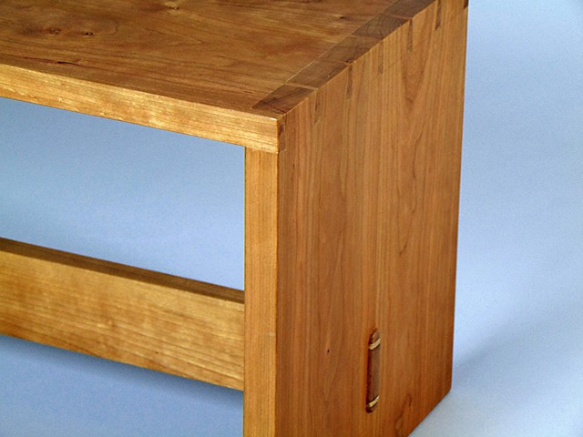 Dovetail Bench (Detail)