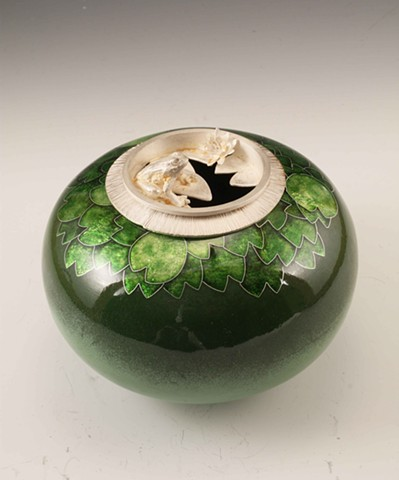 Frog & Lily Pad Vessel #8