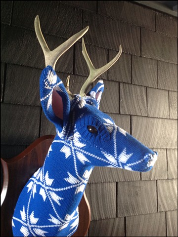 Sweaty Deer Faux Taxidermy 80's sweater blue mod mid century ski