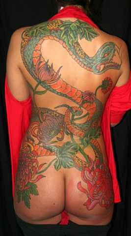 snake hebe chrsanthemums irezumi tattoo tattooagogo new orleans backpiece