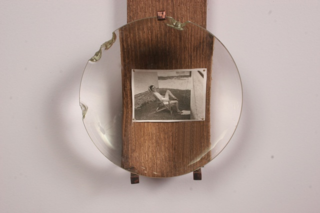 Magnifying Picture Frame