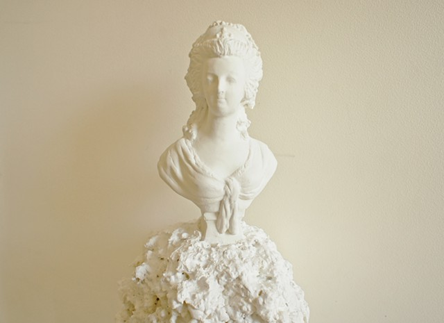 Beside painting, my research enquires representation and tangibility also with sculpture, beyond painting's virtuality, although considering the sculptural object as virtual per se. UN #1 merges a copy of a bust of Marie Antoinette, by French sculptor Je