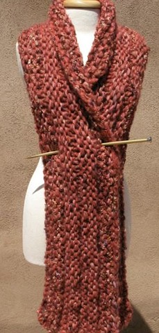 Using a blend of four different hand dyed New Mexico wool yarns,Kenny created this beautiful and warm Scarf/Wrap combo.Colors are wonderful!