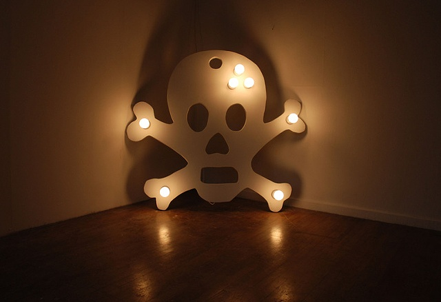 skull and cross bones canvas jeff koons pop art
