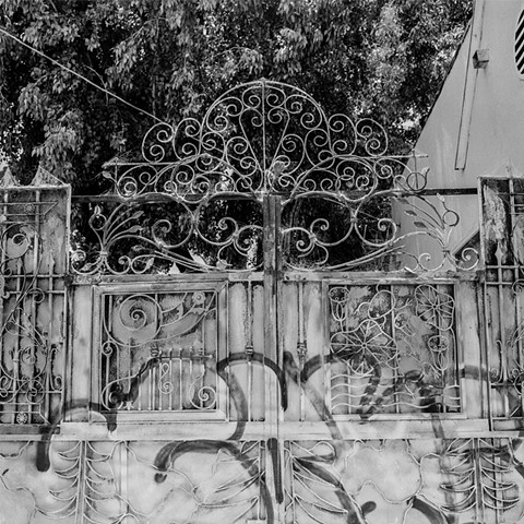 Gate On Lincoln