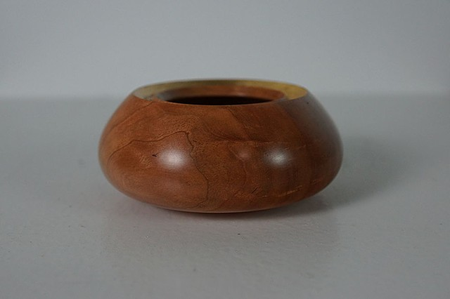 Small gold rimmed bowl