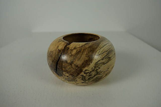 Round hackberry vessel