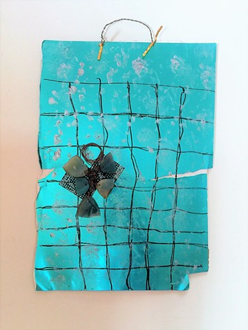 MIX 2017   #12 Mixed agate shards on plastic mesh grid ornament over metallic cardstock with metallic twistie hanger  2017