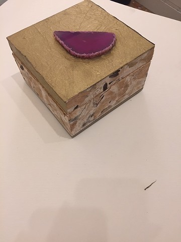 "Gold with Magenta Agate 5""x5""x3 1/4"""