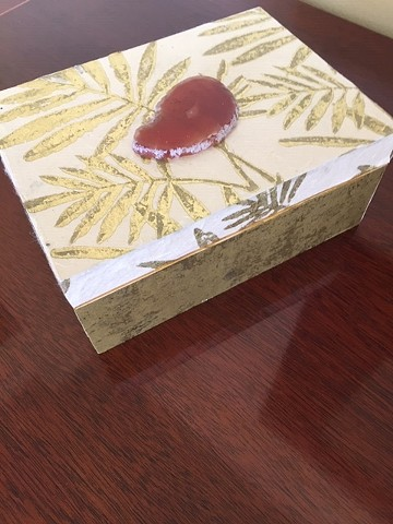 "Gold Leaf with Agate 5""x7""x3"""