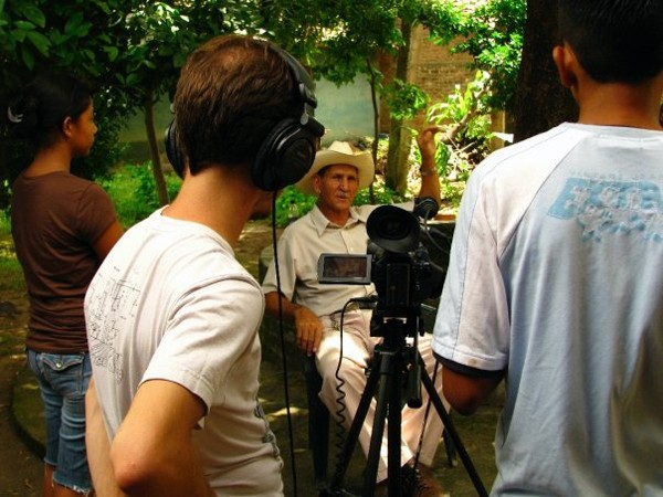 Intergenerational video project telling the history of San Juan de Limay from pre-colombian to modern era.