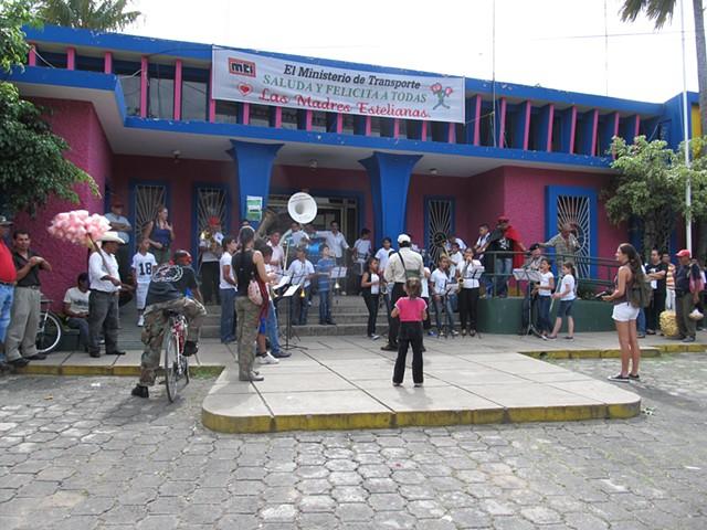 Musica Por El Pueblo