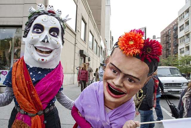 Katarina Wong (left) as Calavera Katarina and Megan Marlatt (right) as FREEda Kahlo