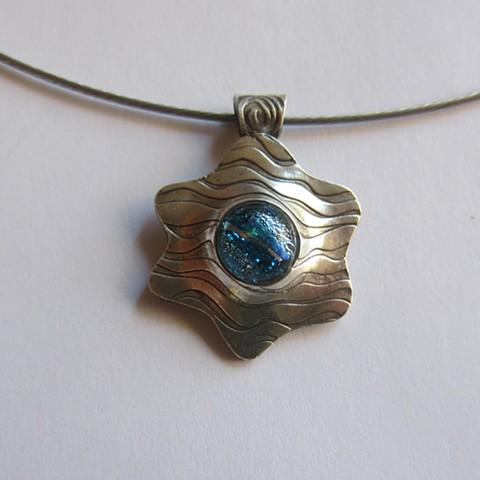 Wavy Star pendant