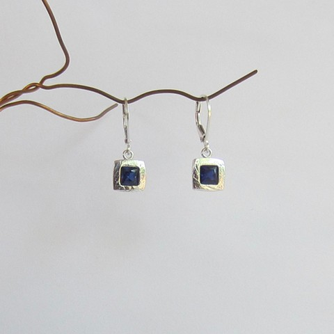 Square Sapphire silver earrings