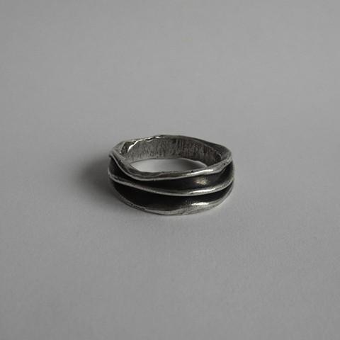 Folds ring