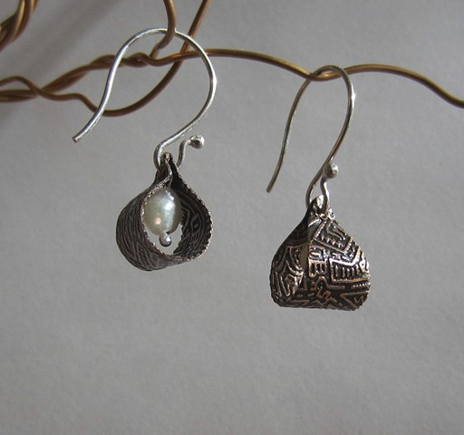 Etched Loops with Pearl earrings