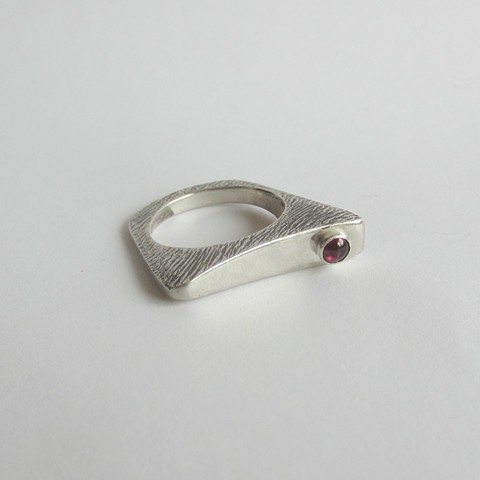 Flat ring with Ruby