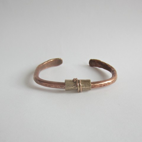 Cuff bracelet with Log Bead