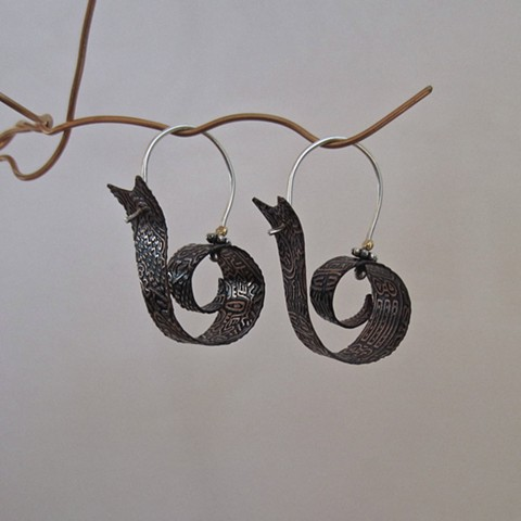 Double-Etched Snail earrings