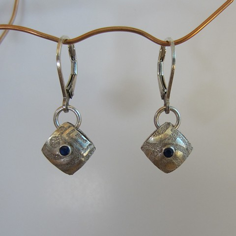 Square Pillow earrings with blue sapphire