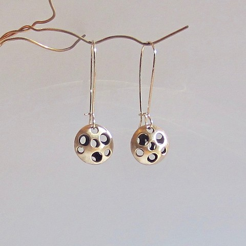 Pierced Lentil earrings