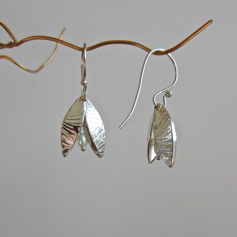 Open Seed earrings