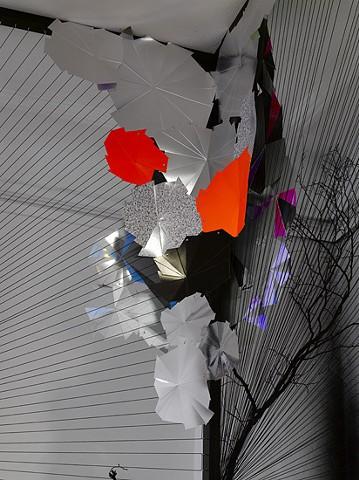 paper installation papirklip af marianne grønnow
