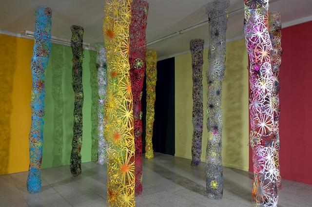paper cut flowers papirklip blomster installation af marianne grønnow