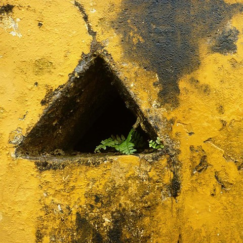 Wall with Hole - Cuba