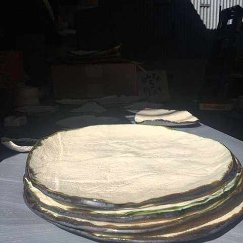 "9"" porcelain plates with bronze edge"