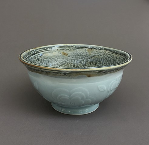 Blue celadon and blue ash bowl With flowers