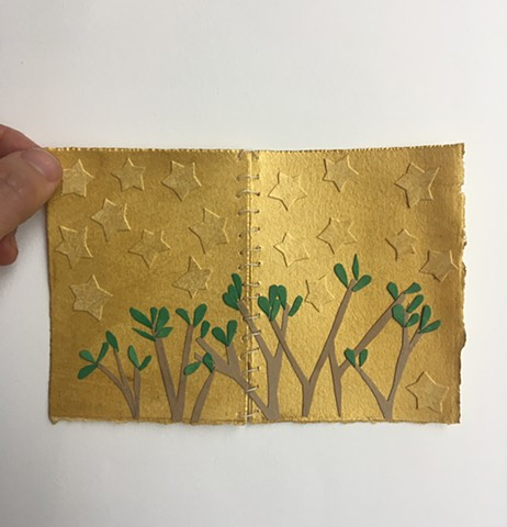 pocket size foldable tree line with stars